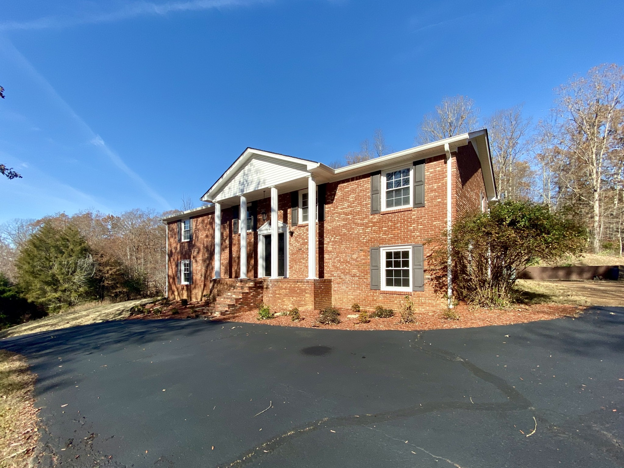 401 Rustling Oaks Dr, Waverly, TN 37185 - Waverly, TN real estate listing