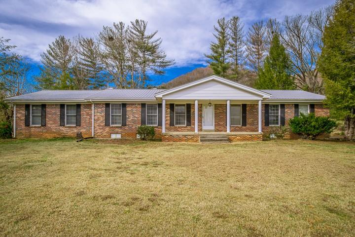 141 Big Bottom Rd, Gainesboro, TN 38562 - Gainesboro, TN real estate listing