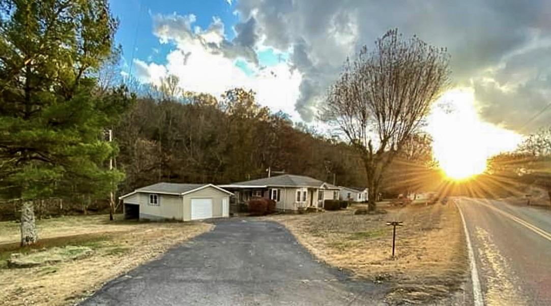 269 Hogans Creek Rd, Carthage, TN 37030 - Carthage, TN real estate listing