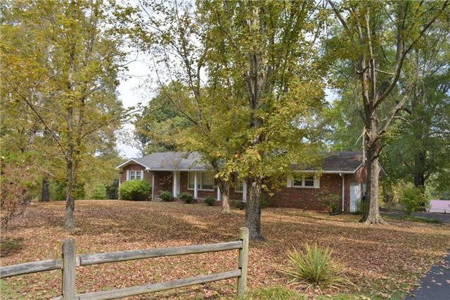1001 Woodmont Drive, Dickson, TN 37055 - Dickson, TN real estate listing