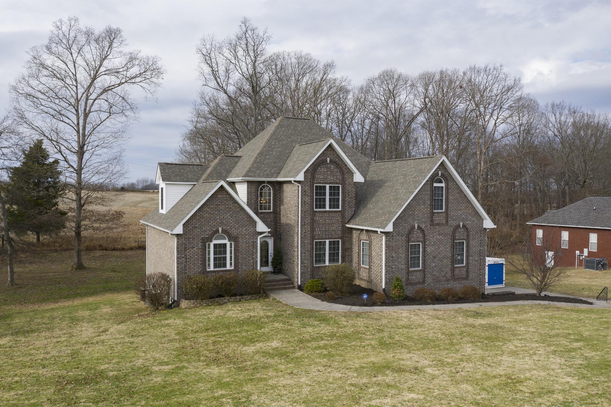 1016 Fairways Dr, Greenbrier, TN 37073 - Greenbrier, TN real estate listing