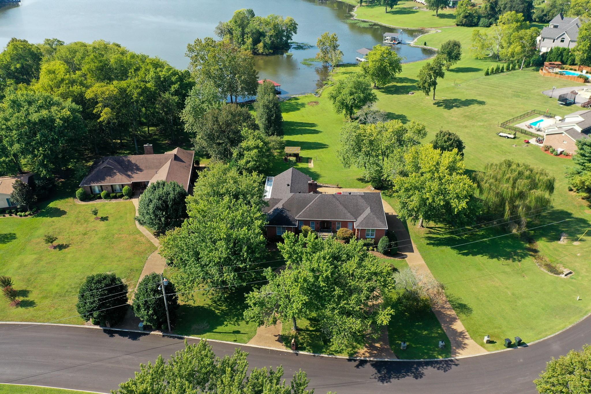 633 Bay Point Dr, Gallatin, TN 37066 - Gallatin, TN real estate listing