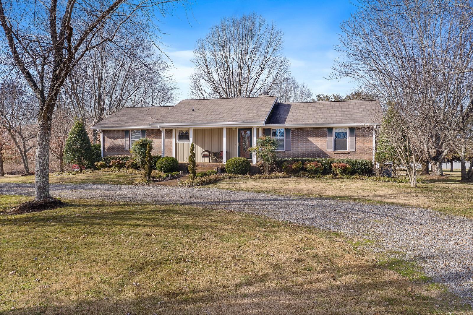 826 Shun Pike, Cottontown, TN 37048 - Cottontown, TN real estate listing
