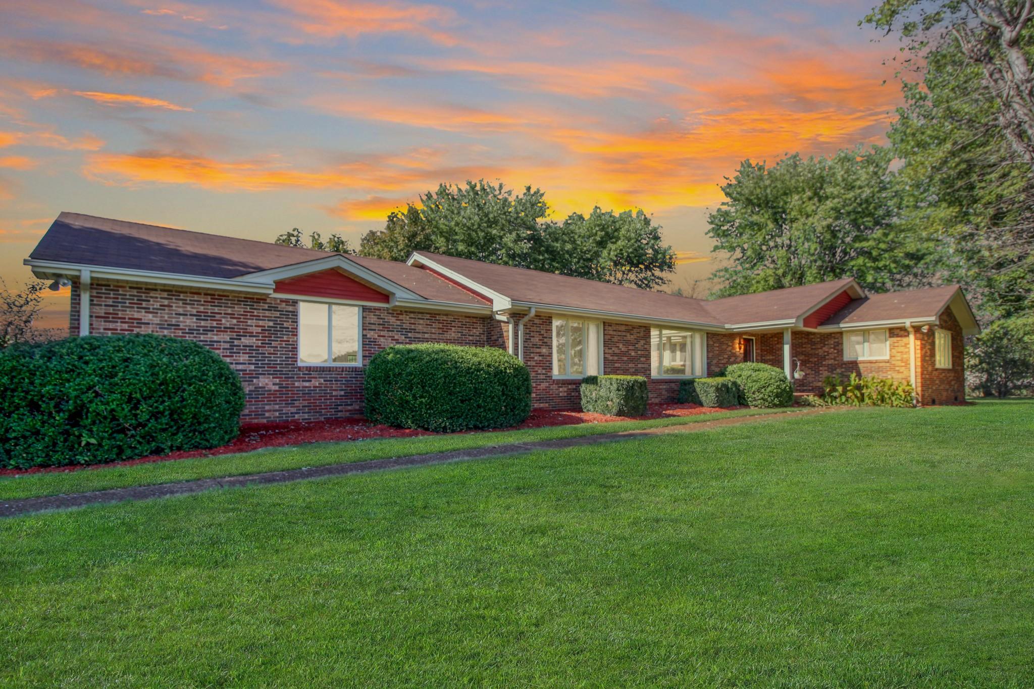 5210 E Robertson Rd, Cross Plains, TN 37049 - Cross Plains, TN real estate listing