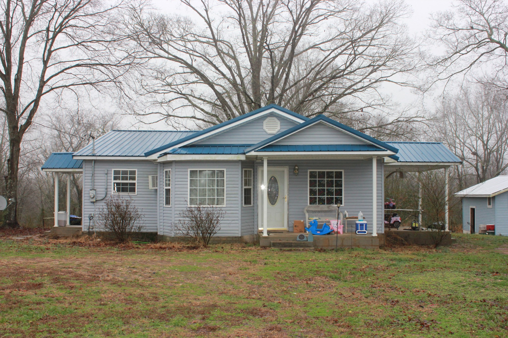 72 Johnson Dr, Loretto, TN 38469 - Loretto, TN real estate listing
