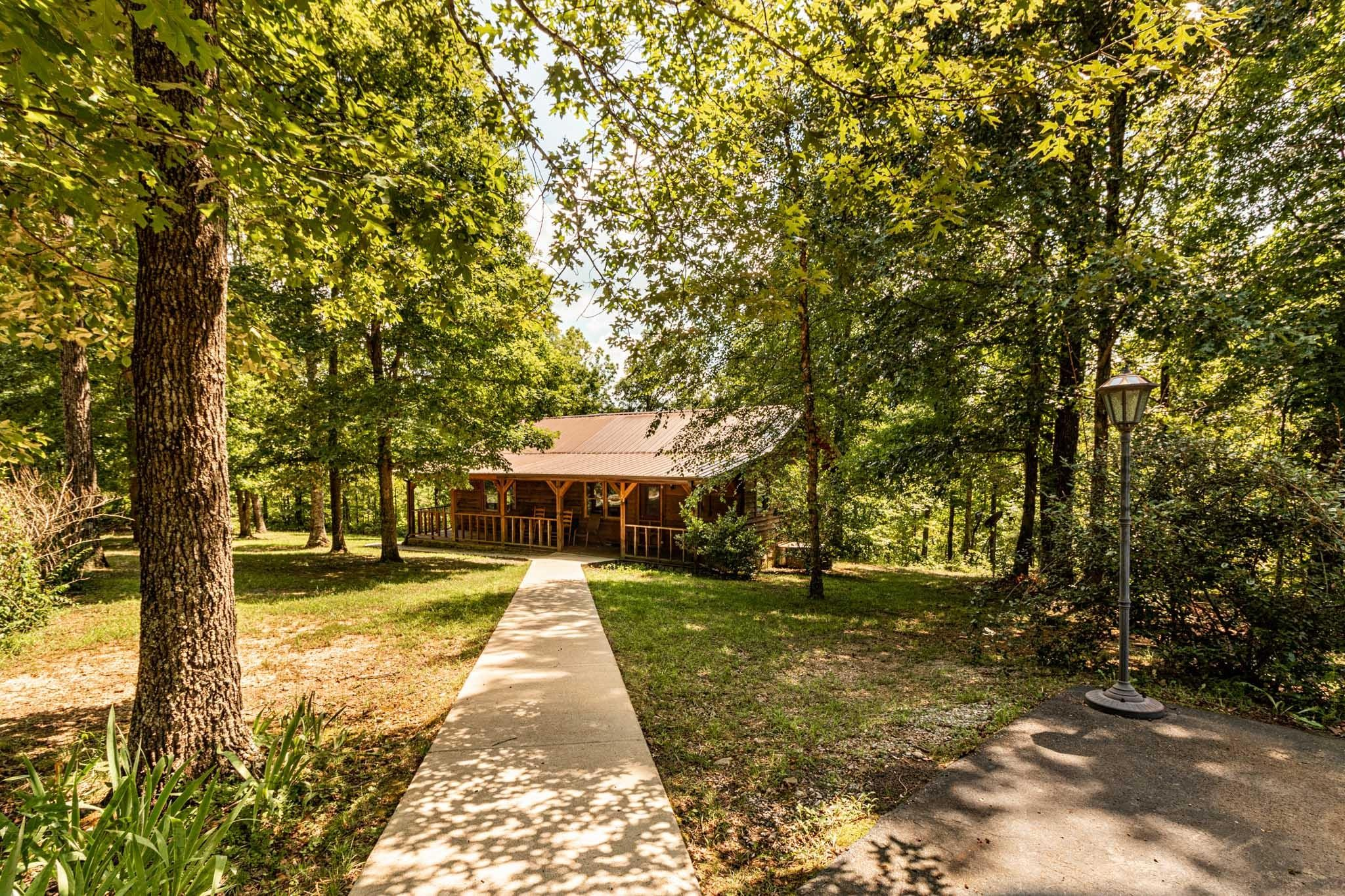 122 Emerald Dr Property Photo - Hohenwald, TN real estate listing