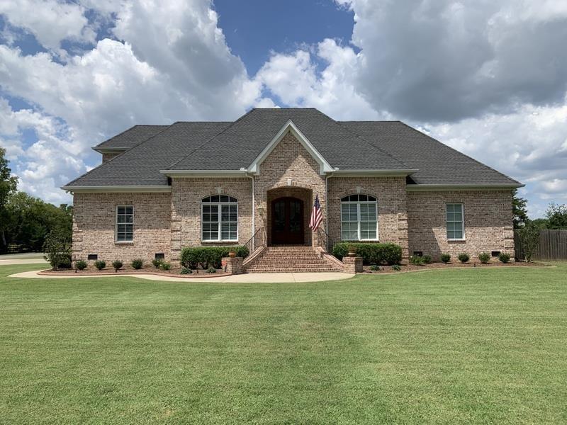 3911 Triple Crown Dr Property Photo - Murfreesboro, TN real estate listing