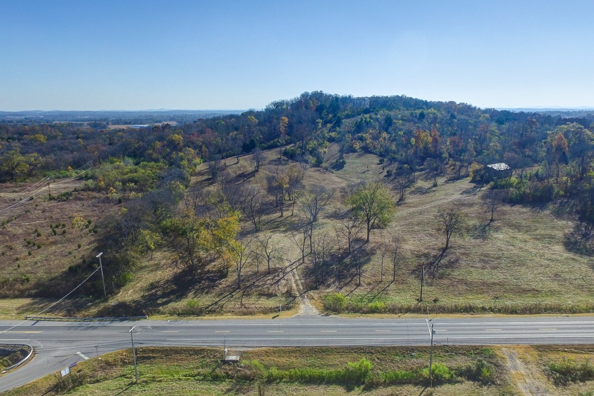 1691 31E Hwy Property Photo - Gallatin, TN real estate listing