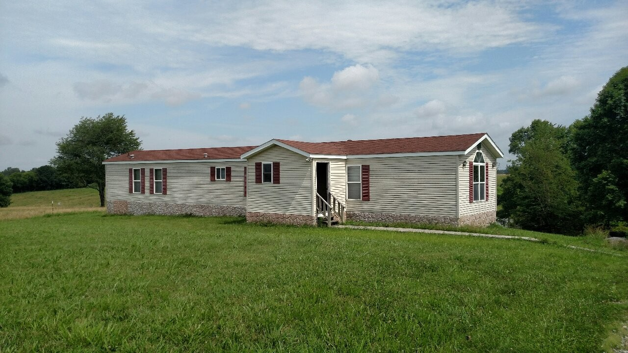 6959 Union Camp Rd Property Photo - Lafayette, TN real estate listing