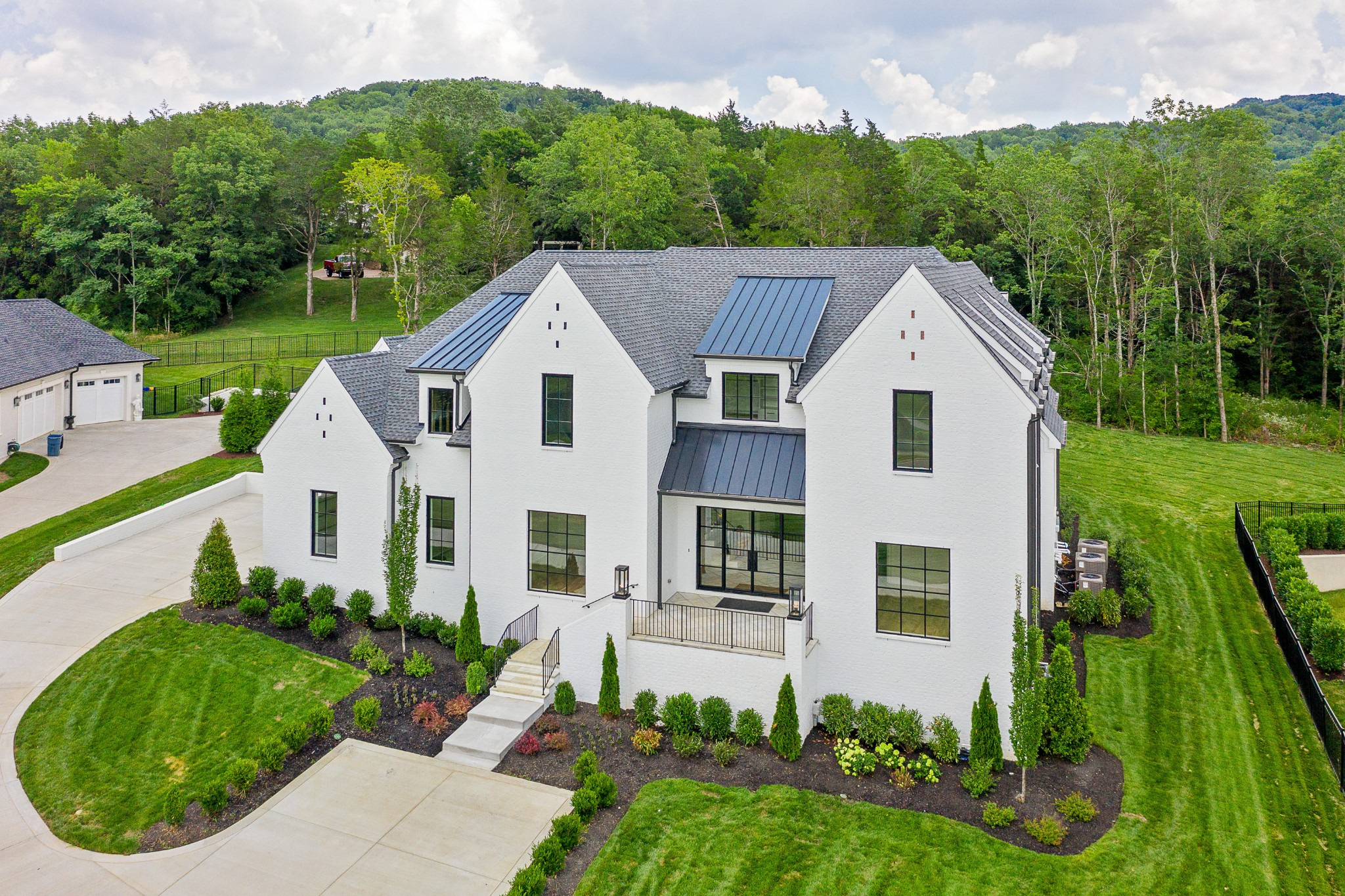 6413 Johnson Chapel Cir Property Photo - Brentwood, TN real estate listing