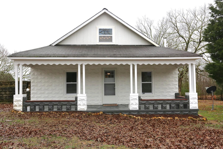 37098 Real Estate Listings Main Image