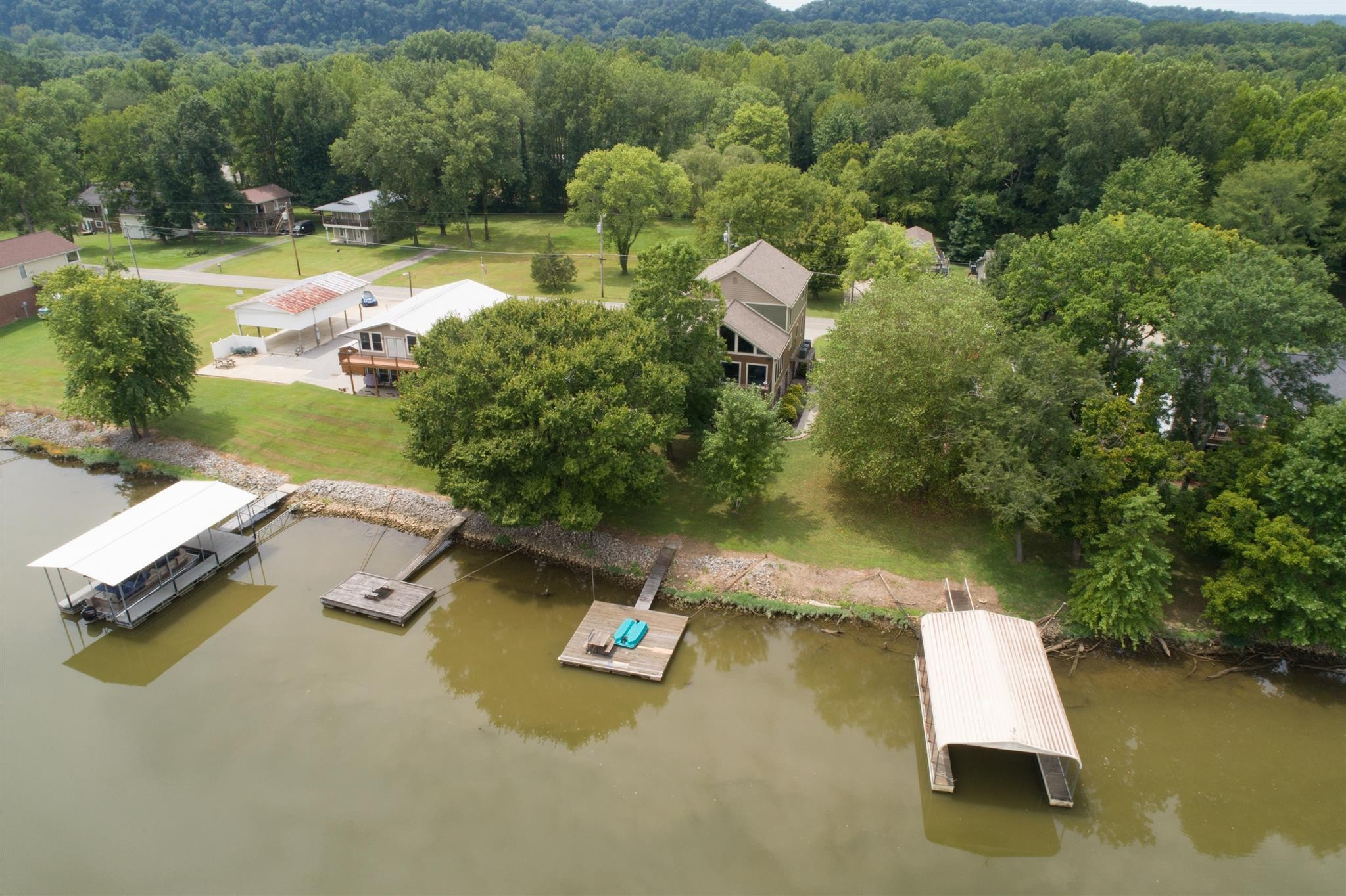 1461 Chapmansboro Rd Property Photo - Chapmansboro, TN real estate listing