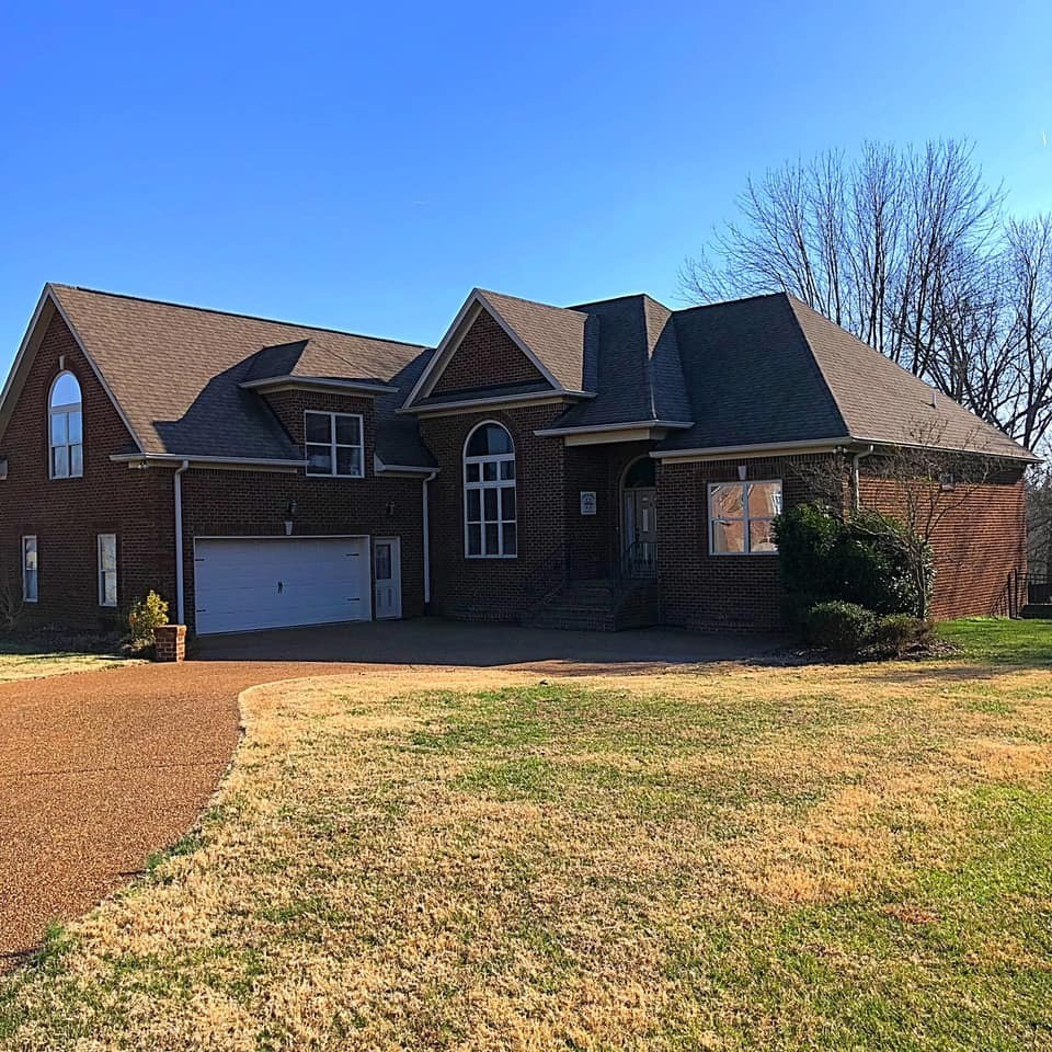 1018 Briarwood Dr, Cottontown, TN 37048 - Cottontown, TN real estate listing