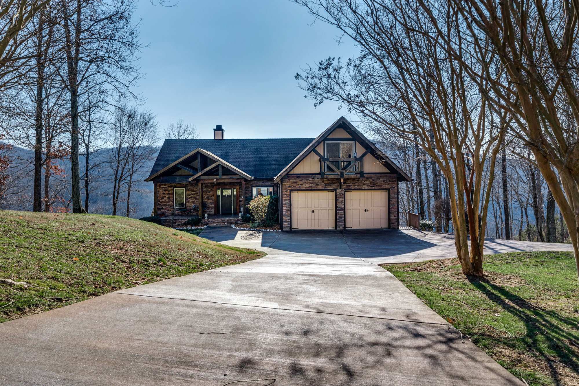 1025 Cornerstone Pkwy Property Photo - Allons, TN real estate listing