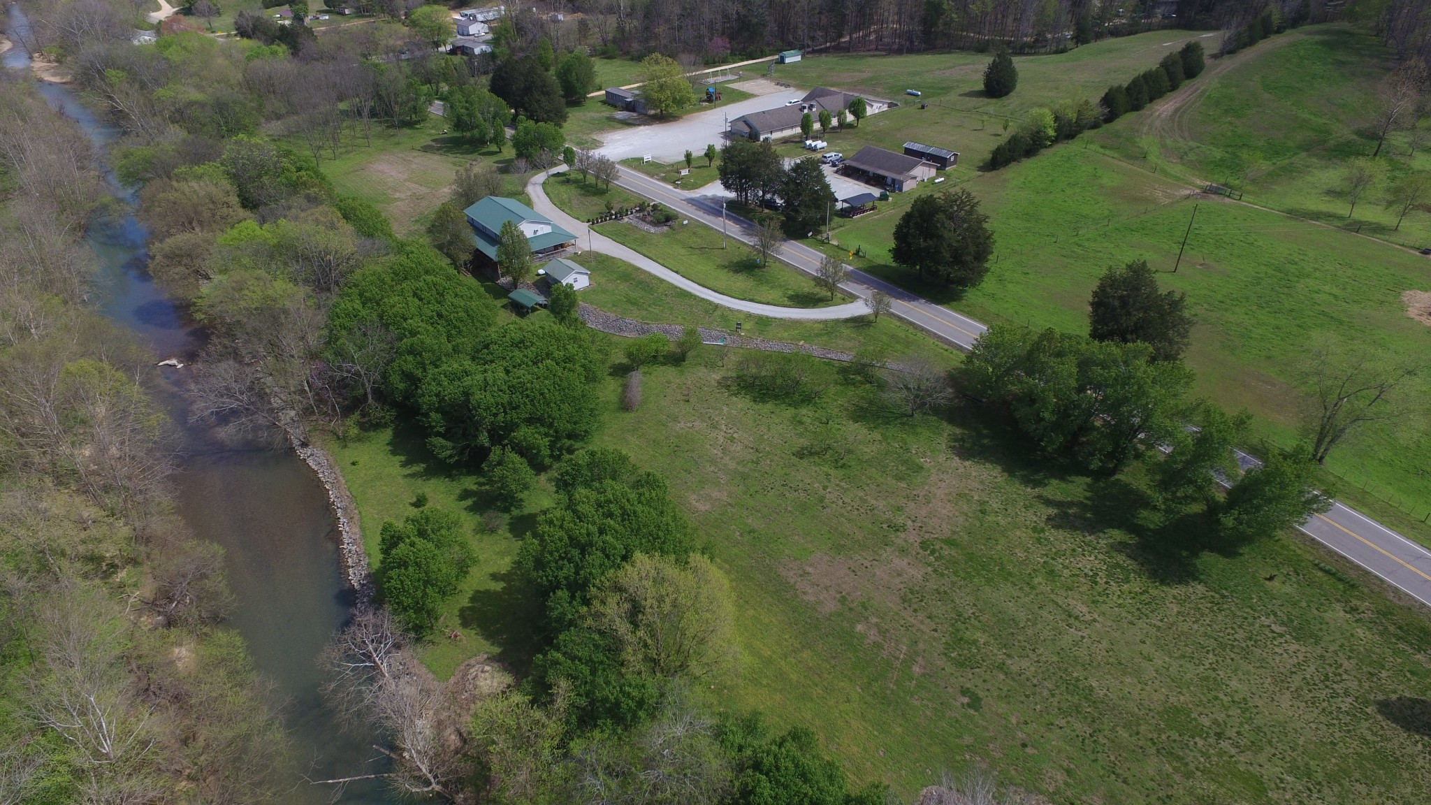1803 Highway 438, E, Lobelville, TN 37097 - Lobelville, TN real estate listing