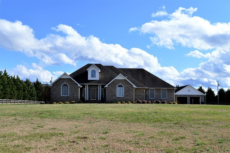 346 Floyd Ln, Decherd, TN 37324 - Decherd, TN real estate listing