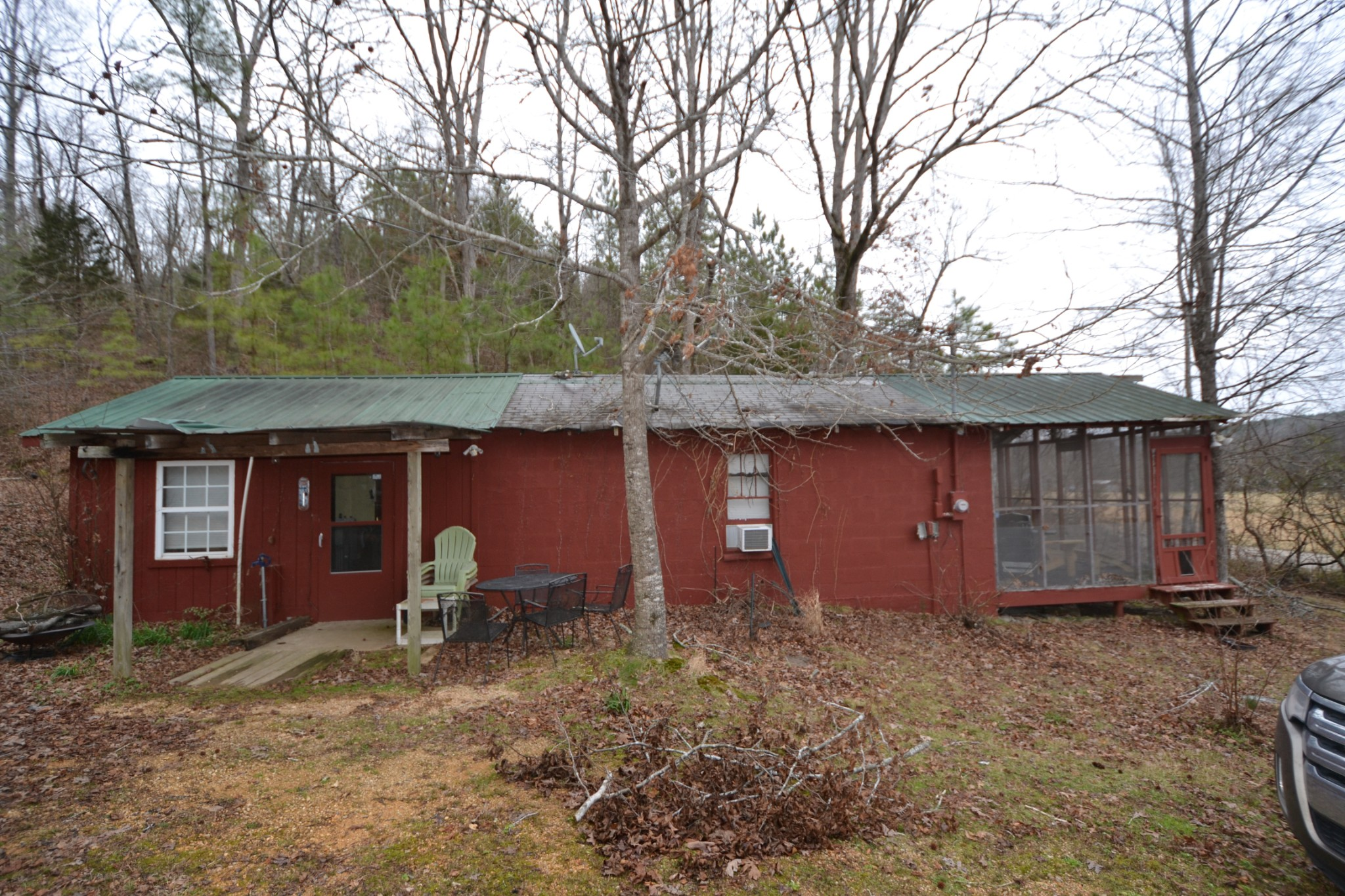 6890 Roan Creek Rd, Lobelville, TN 37097 - Lobelville, TN real estate listing