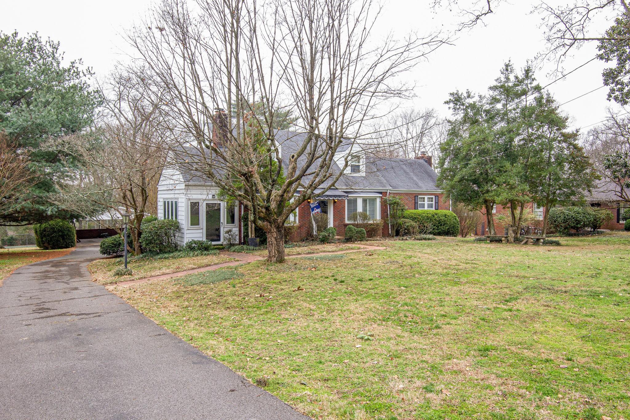 2708 Overhill Cir, Nashville, TN 37214 - Nashville, TN real estate listing