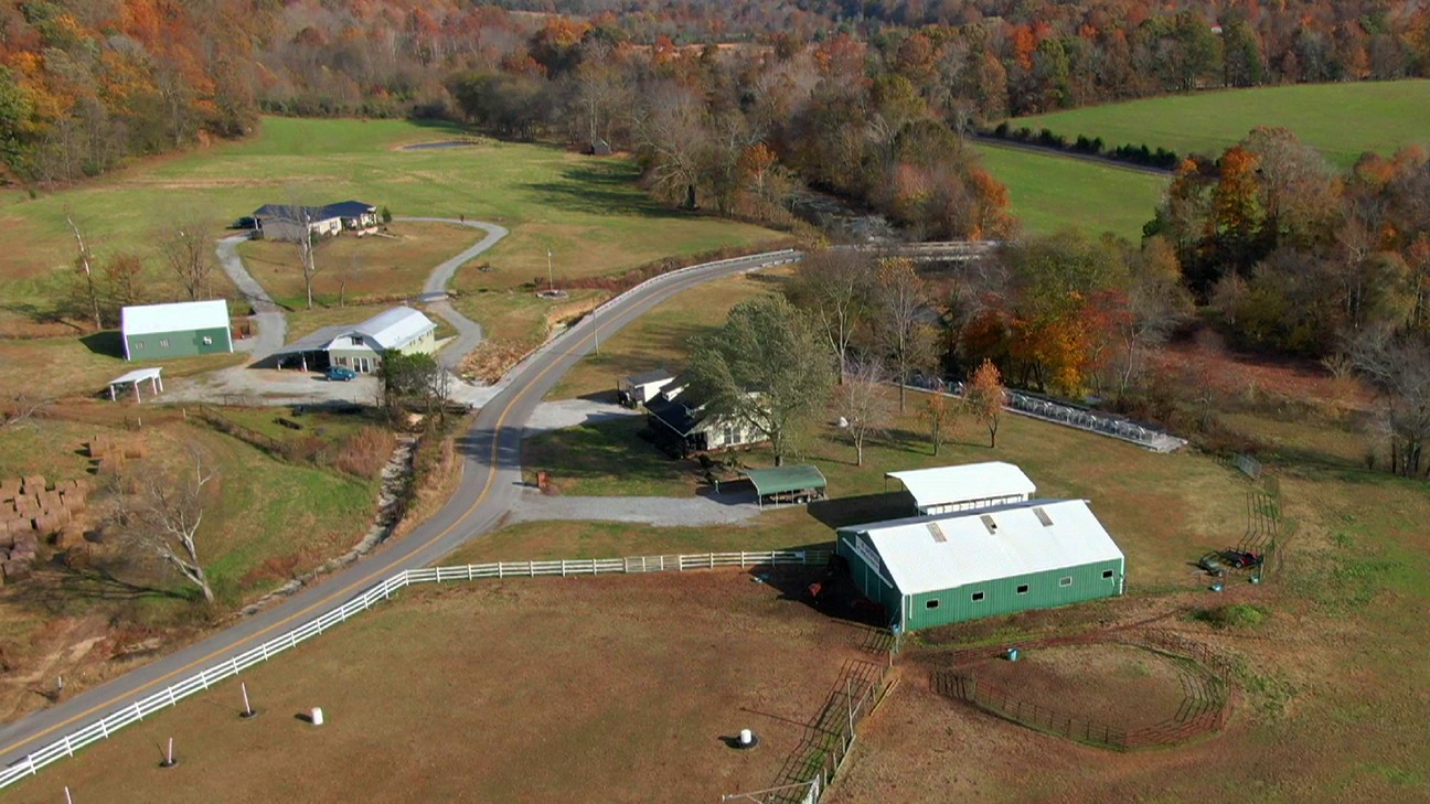 1189 Luby Brown Rd Property Photo - Bethpage, TN real estate listing