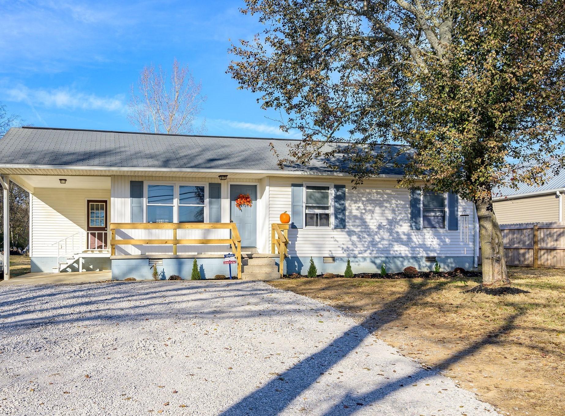 1202 W Lane St Property Photo