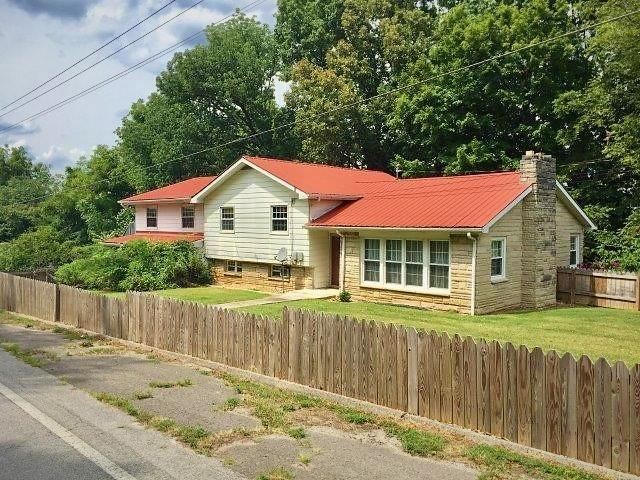 702 Thompkinsville Hwy.,, Moss, TN 38575 - Moss, TN real estate listing
