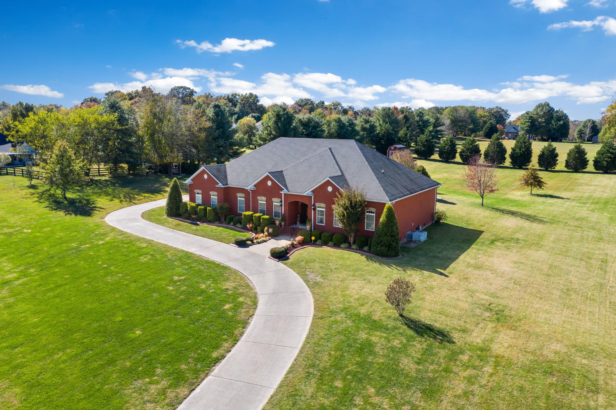836 Dixie Bee Rd, Adams, TN 37010 - Adams, TN real estate listing