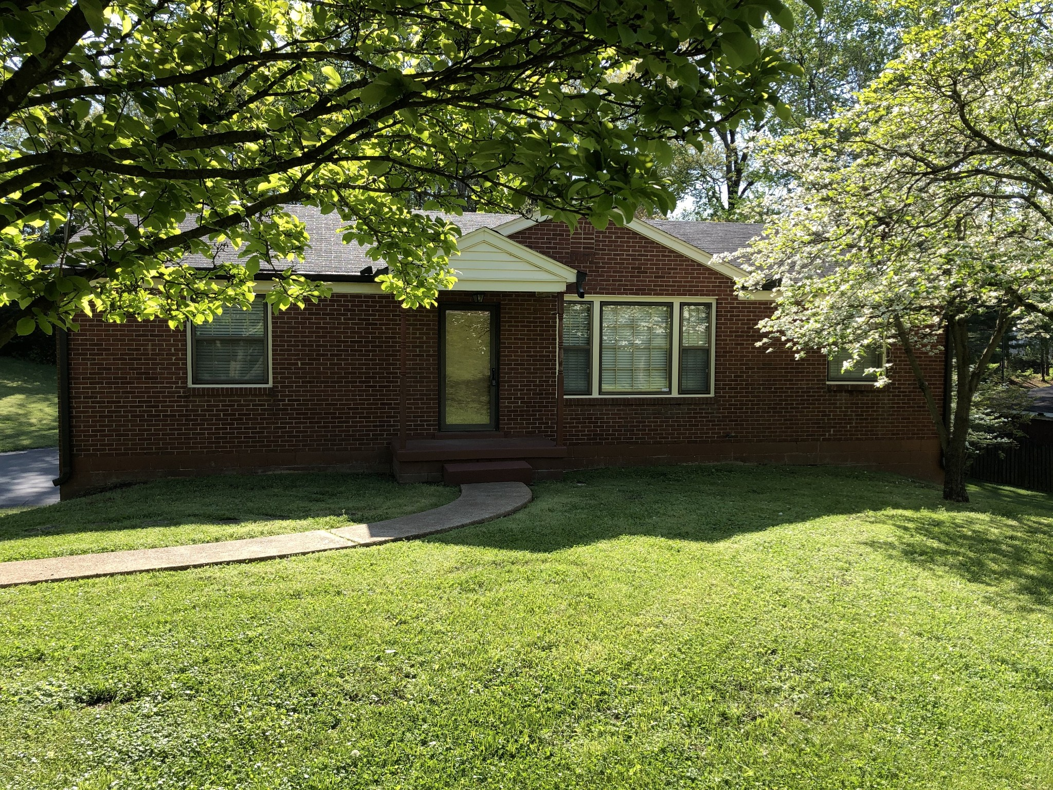 319 Emery Dr, Nashville, TN 37214 - Nashville, TN real estate listing