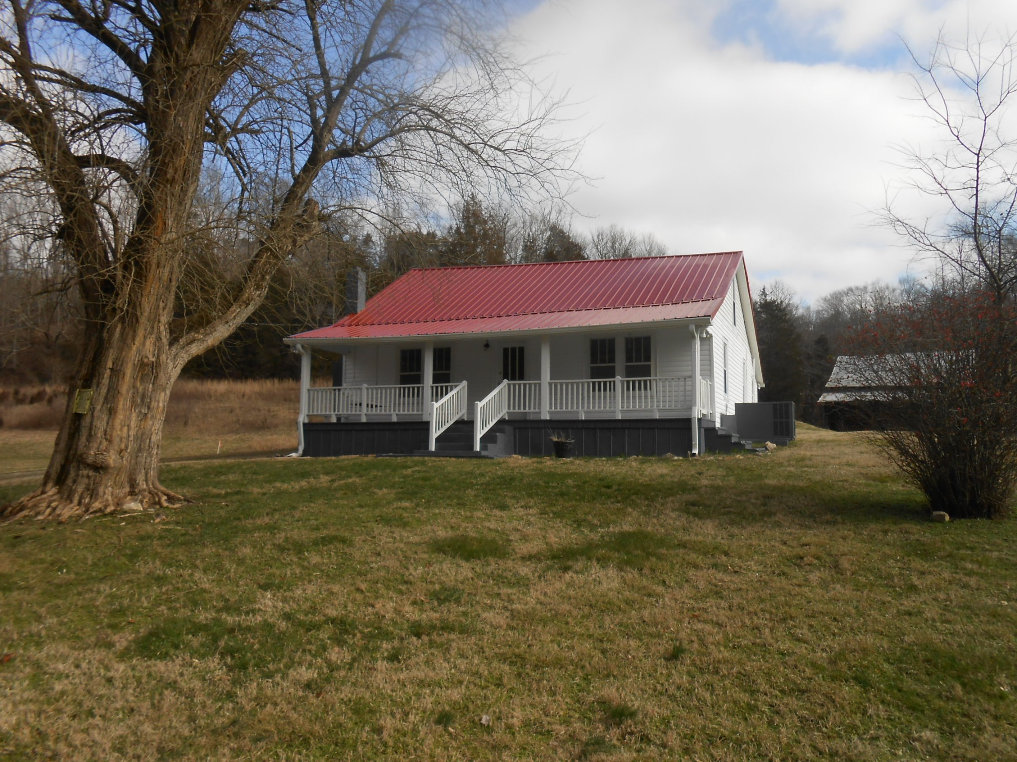 1430 Butler Mill Hollow Rd, Bethpage, TN 37022 - Bethpage, TN real estate listing