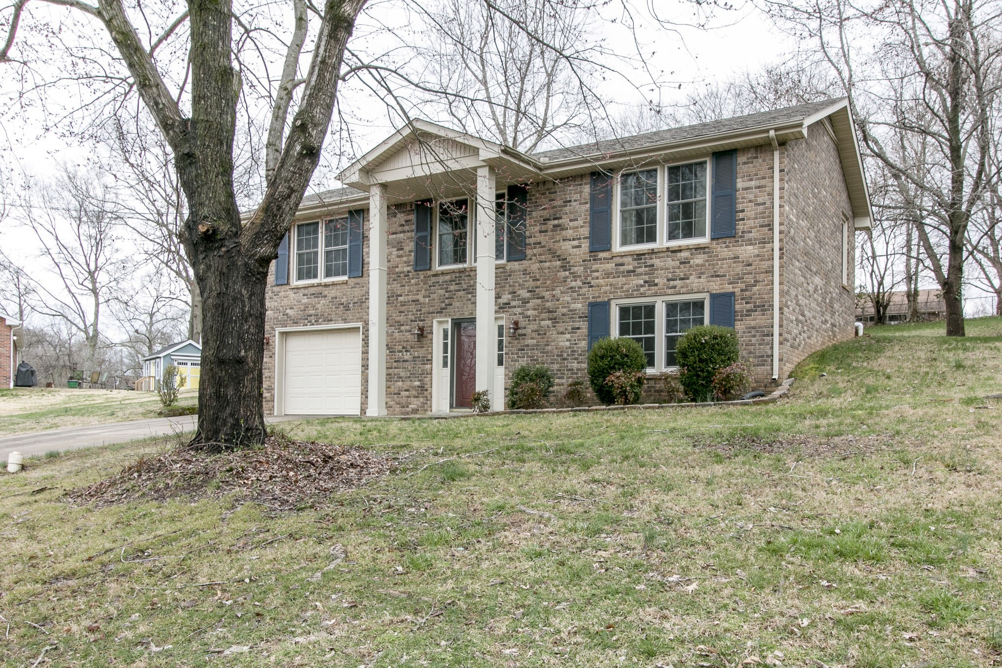 404 Warren Cir, Clarksville, TN 37040 - Clarksville, TN real estate listing