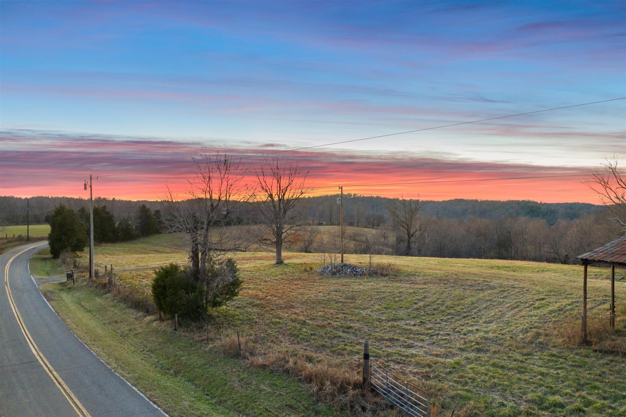 1 Benton Ridge Rd Property Photo - Palmyra, TN real estate listing