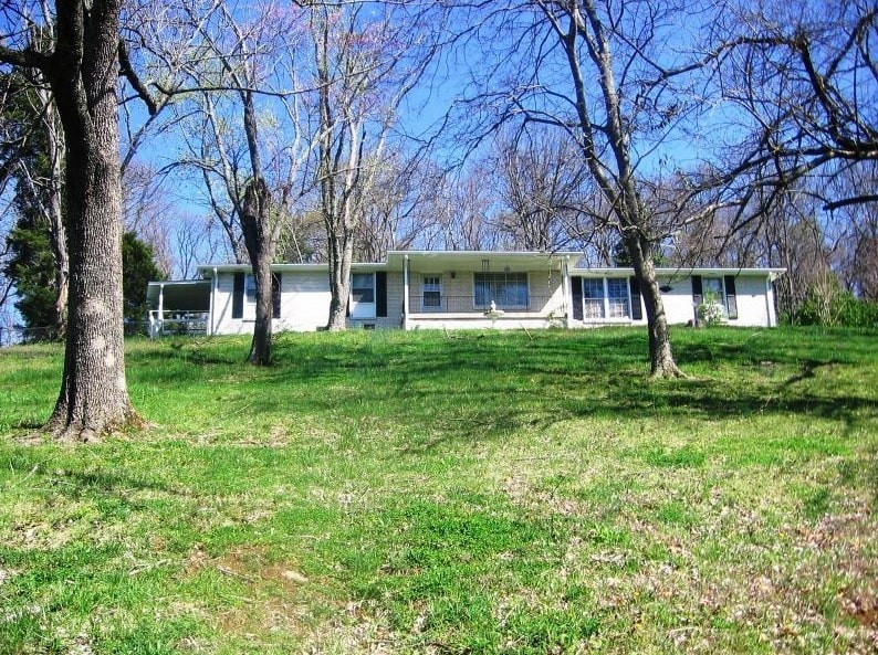 1060 Due West Ave N Property Photo - Madison, TN real estate listing