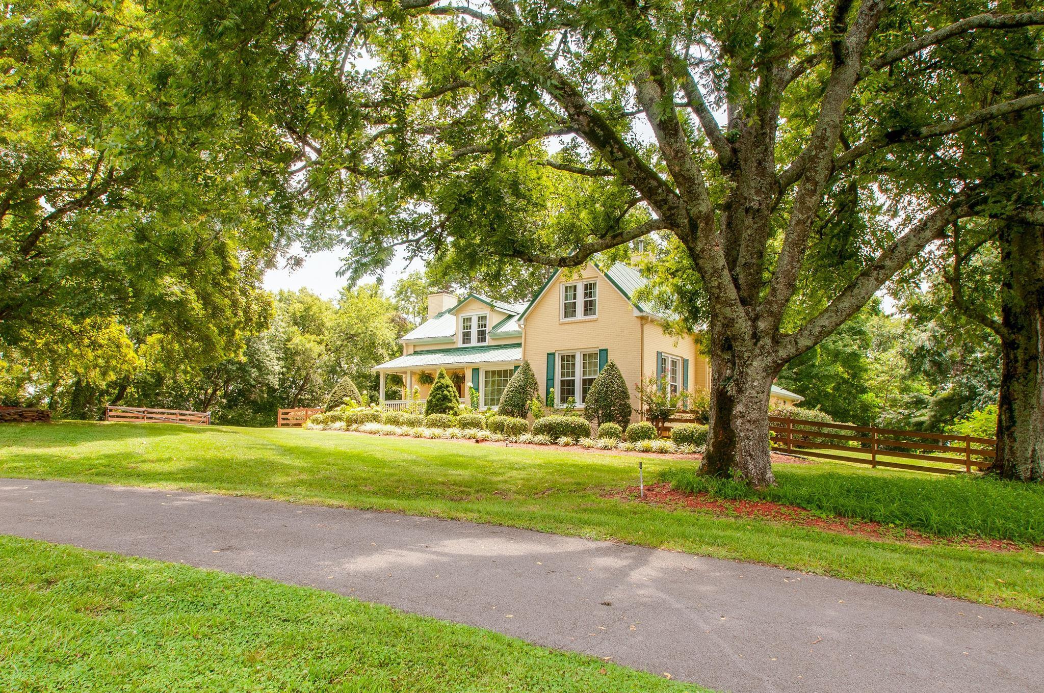 5330 Weber Rd, Hermitage, TN 37076 - Hermitage, TN real estate listing