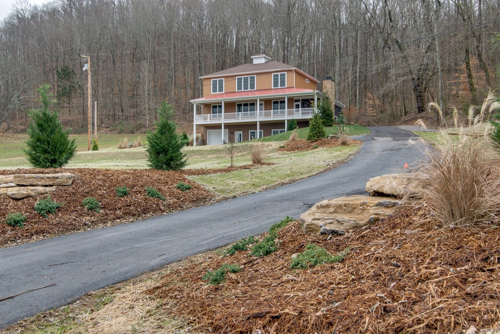 435 Floating Mill Ln, Silver Point, TN 38582 - Silver Point, TN real estate listing