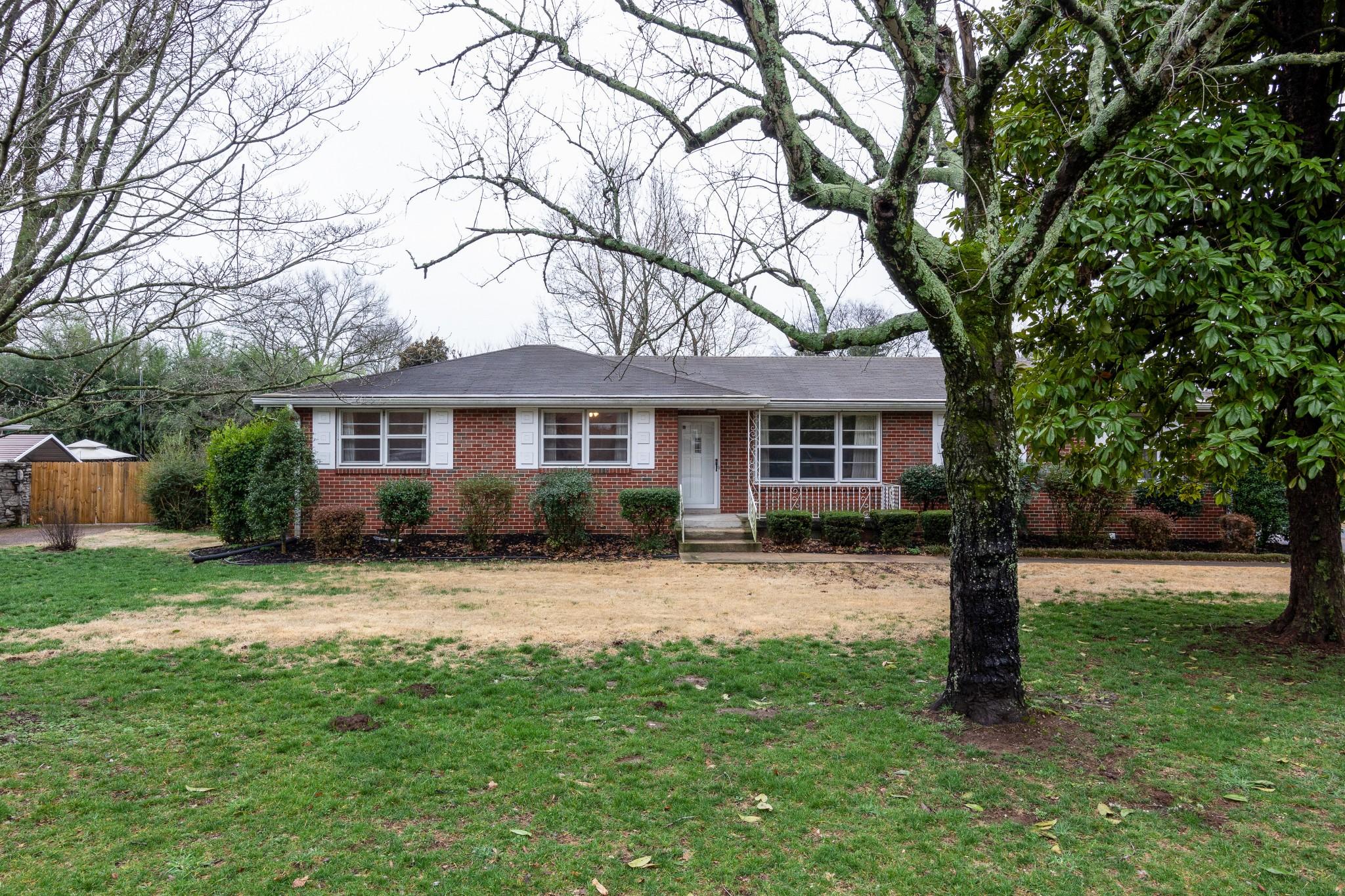 2933 Fernbrook Ln, Nashville, TN 37214 - Nashville, TN real estate listing