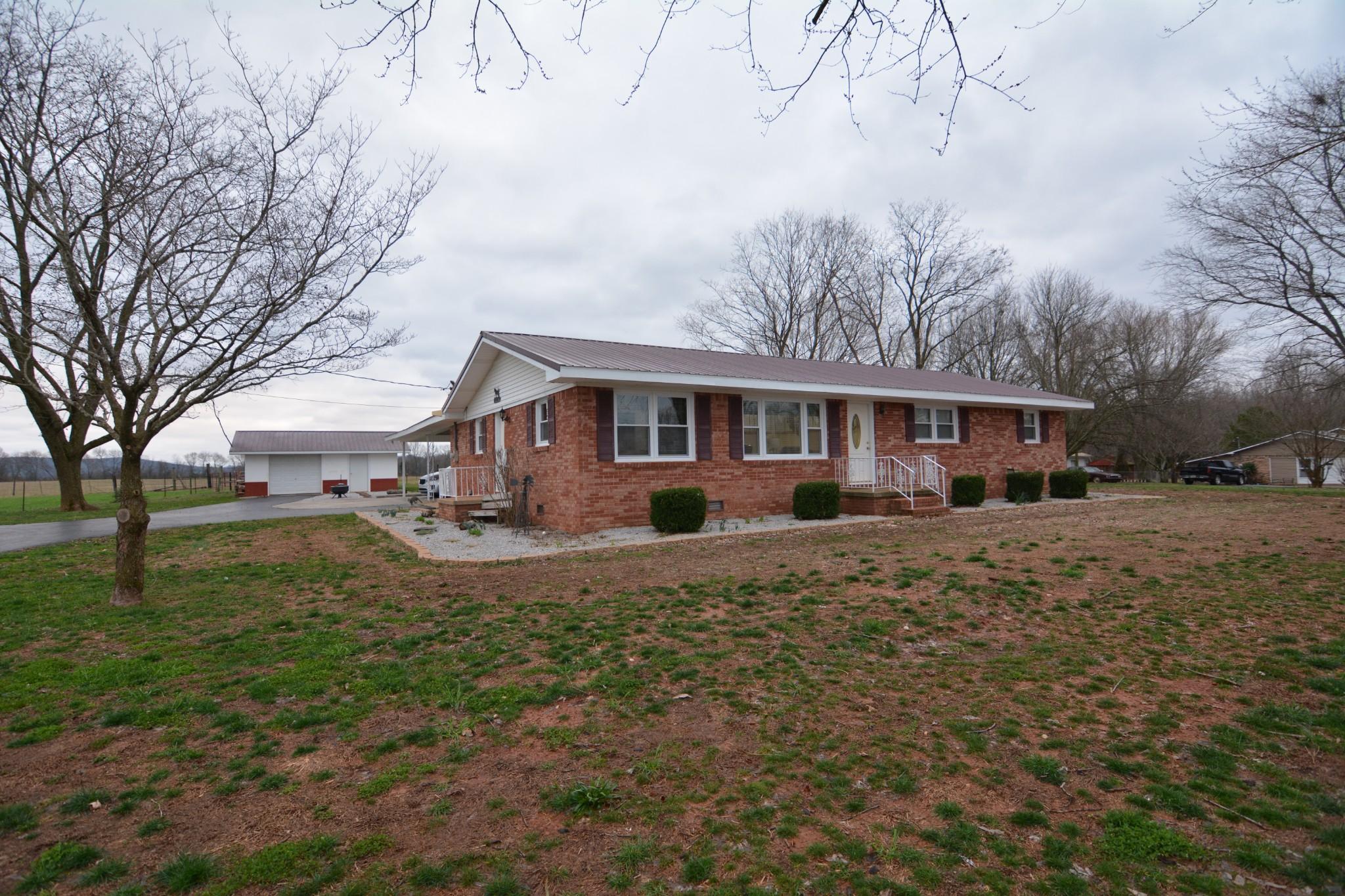 2537 John Hunter Hwy Property Photo - Huntland, TN real estate listing