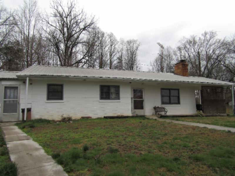 402 Timothy Rd Property Photo - Allons, TN real estate listing