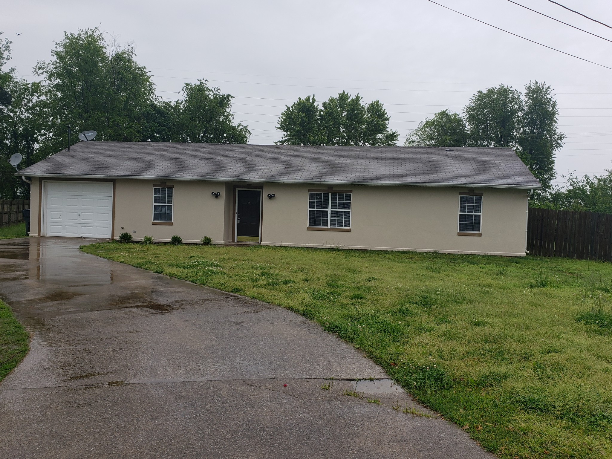 1142 Schatten St, Oak Grove, KY 42262 - Oak Grove, KY real estate listing