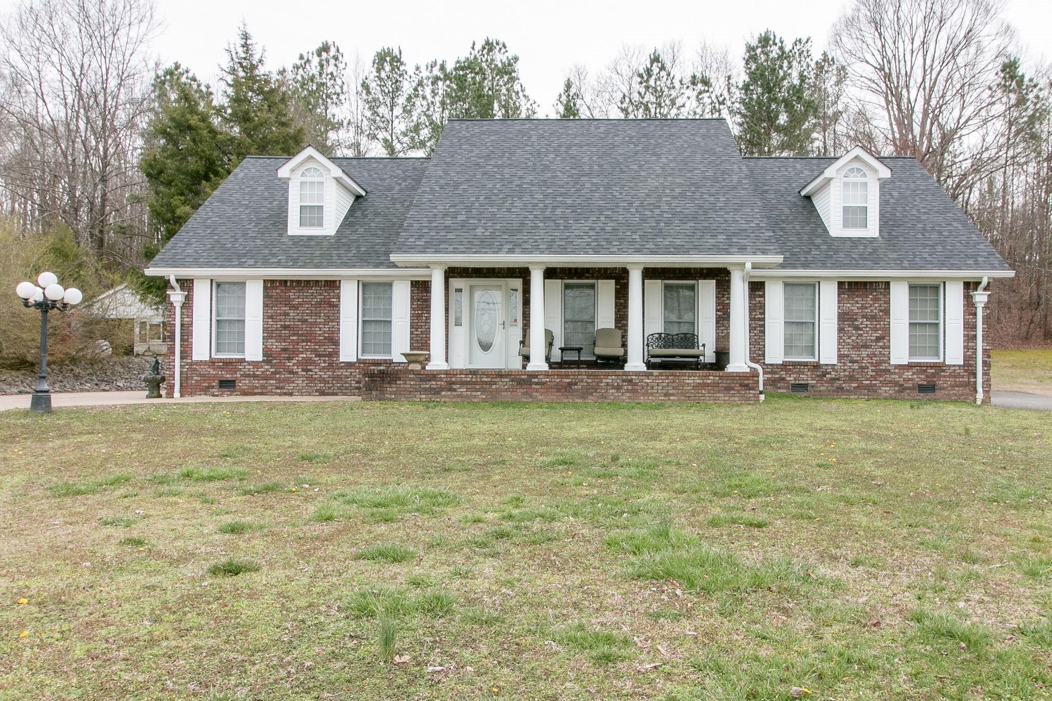 820 W Main St Property Photo - Waverly, TN real estate listing