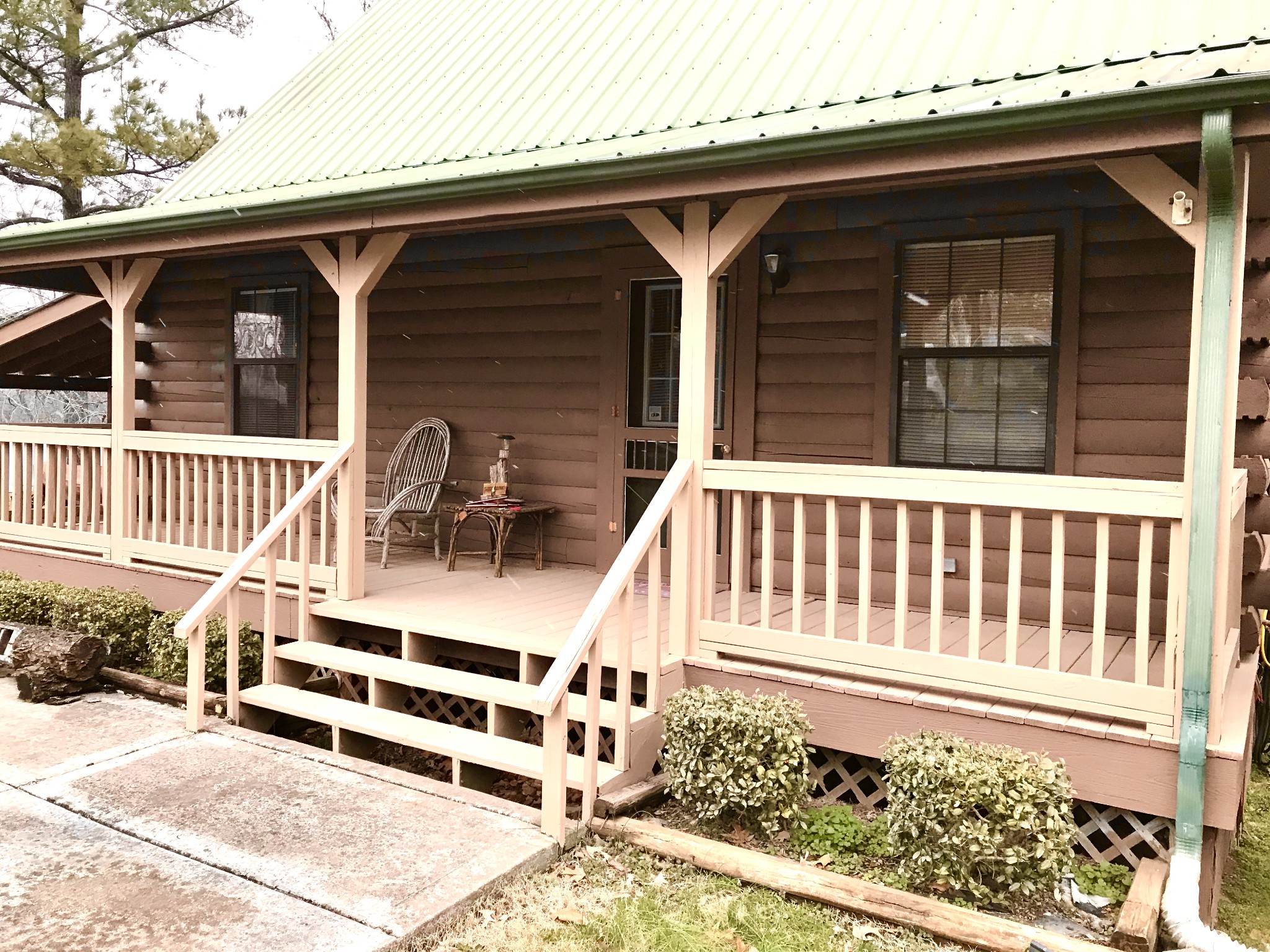 208 Lakeshore Dr Property Photo - Dover, TN real estate listing