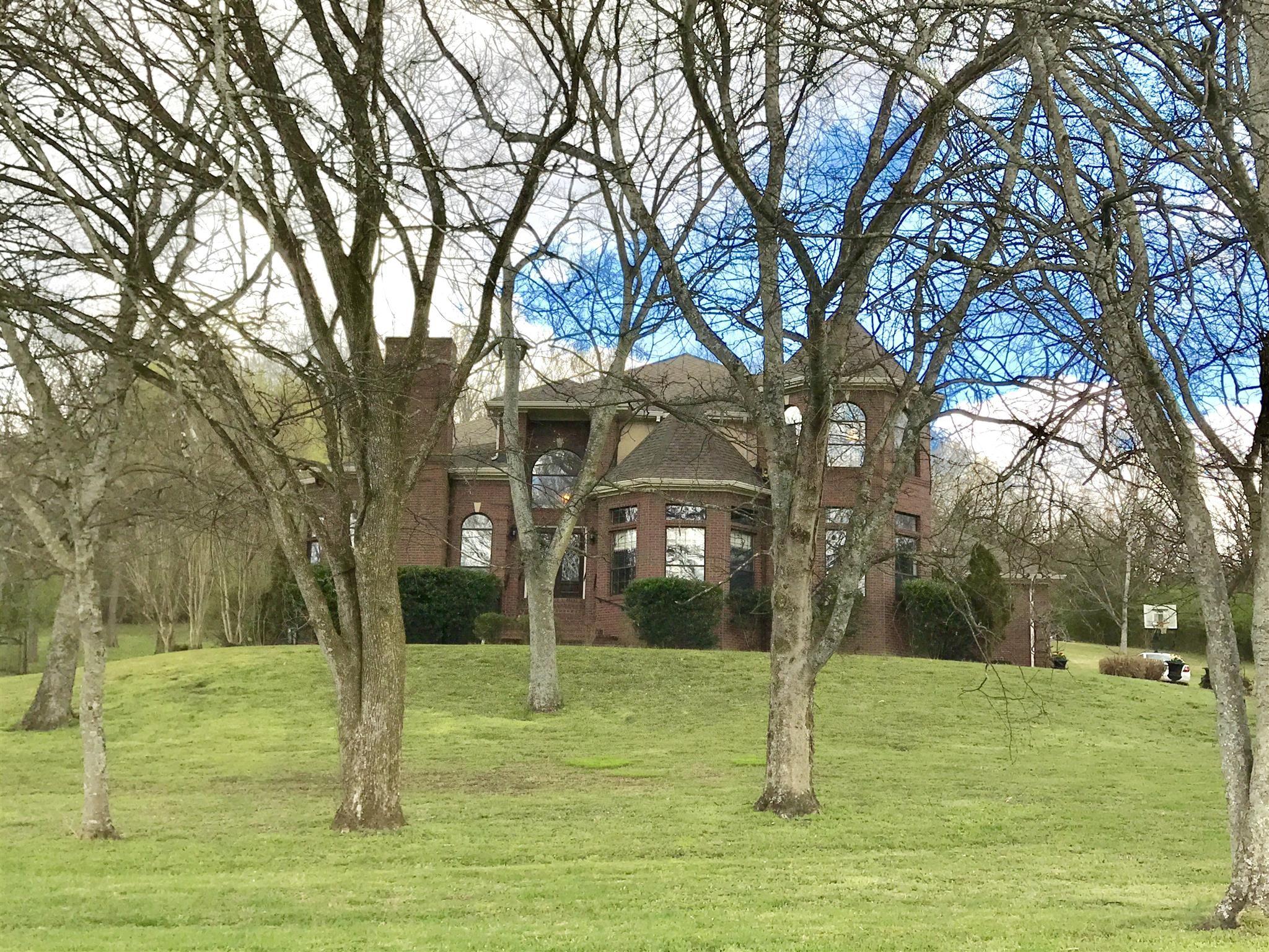 1743 Old Natchez Trace Property Photo - Franklin, TN real estate listing