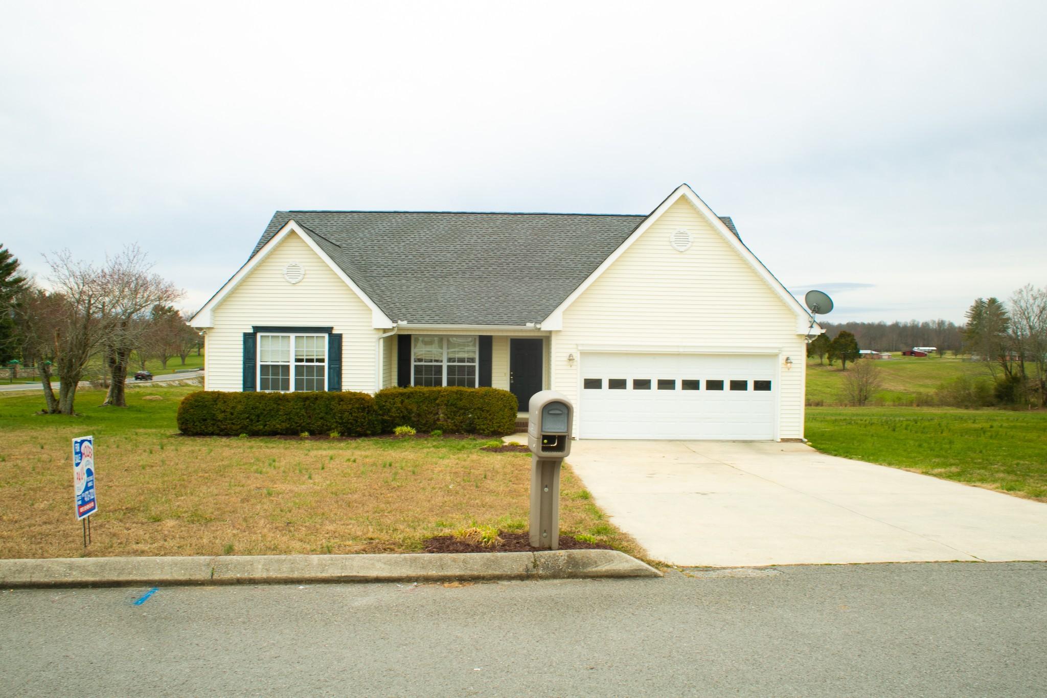 21 Maple Ridge Ct, Mc Minnville, TN 37110 - Mc Minnville, TN real estate listing