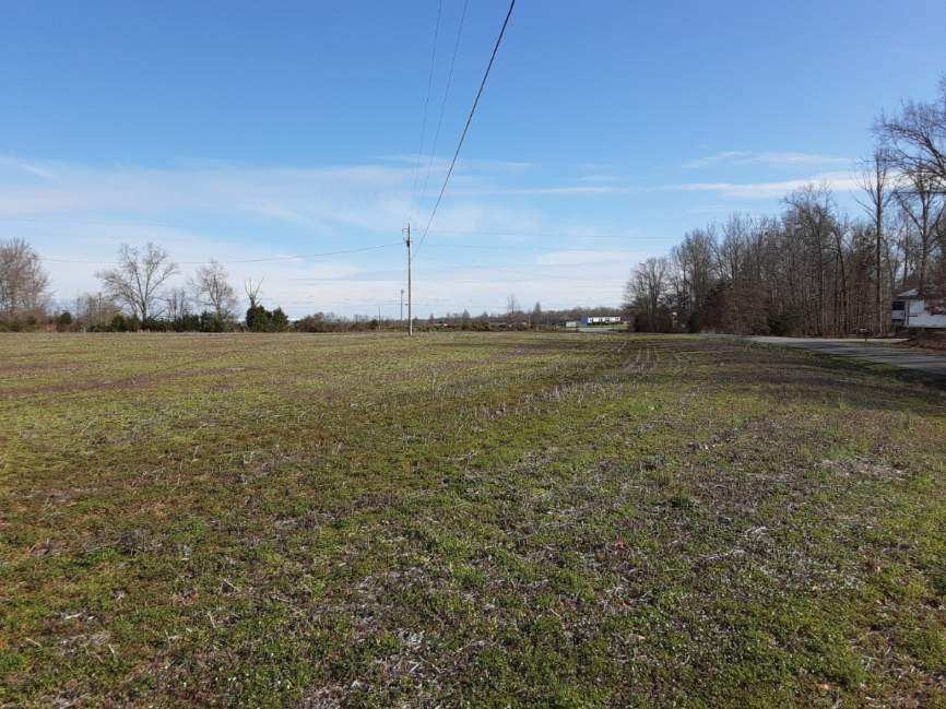 8109 Burt Burgen Rd Property Photo - Bradyville, TN real estate listing
