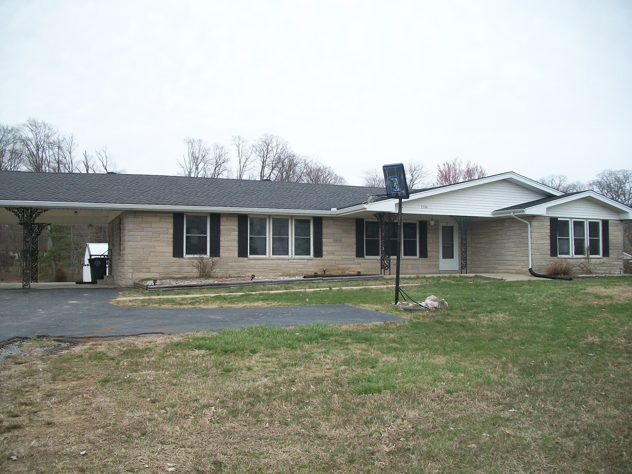1504 Scottsville Rd, N Property Photo - Lafayette, TN real estate listing