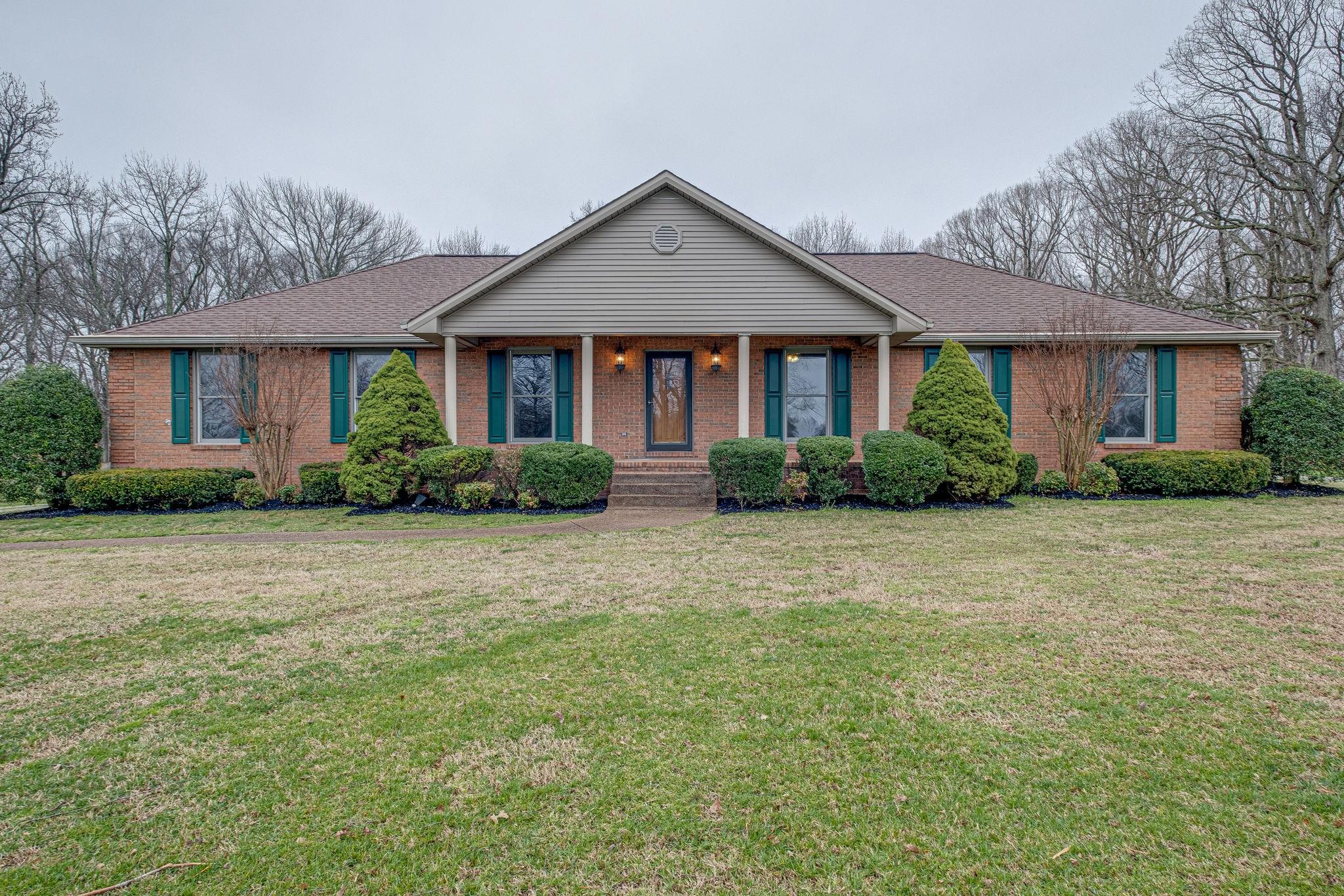 2755 Logan Rd, NW, Greenbrier, TN 37073 - Greenbrier, TN real estate listing