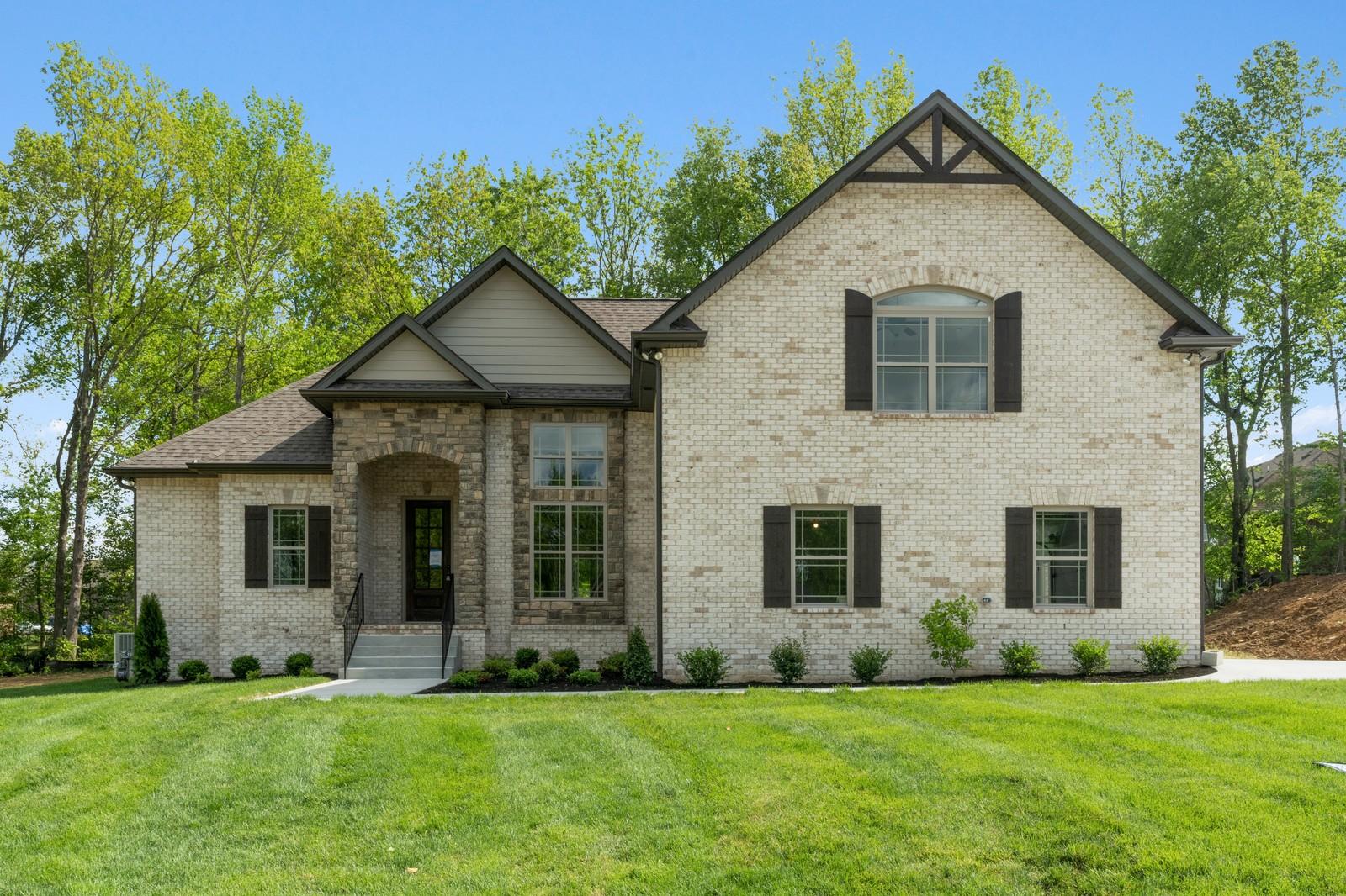 5039 East Mayflower Ct. , Greenbrier, TN 37073 - Greenbrier, TN real estate listing