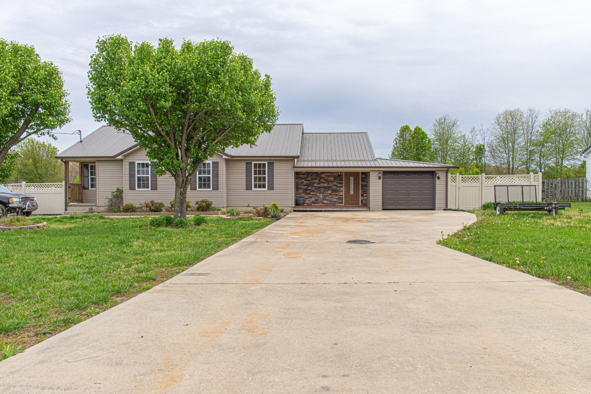 769 Six Mile Board Rd, Belvidere, TN 37306 - Belvidere, TN real estate listing
