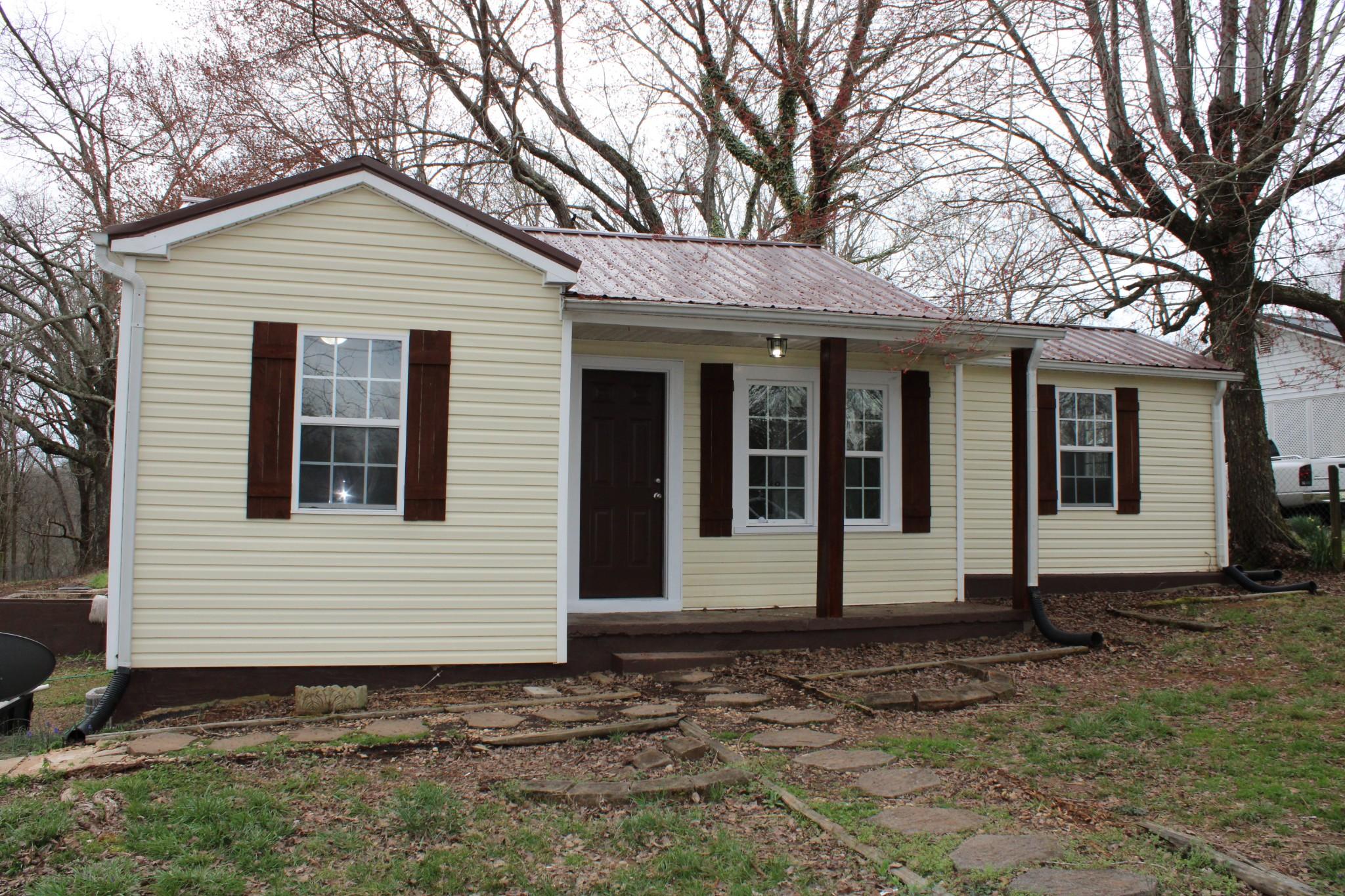251 S Riverside Dr, Mc Minnville, TN 37110 - Mc Minnville, TN real estate listing
