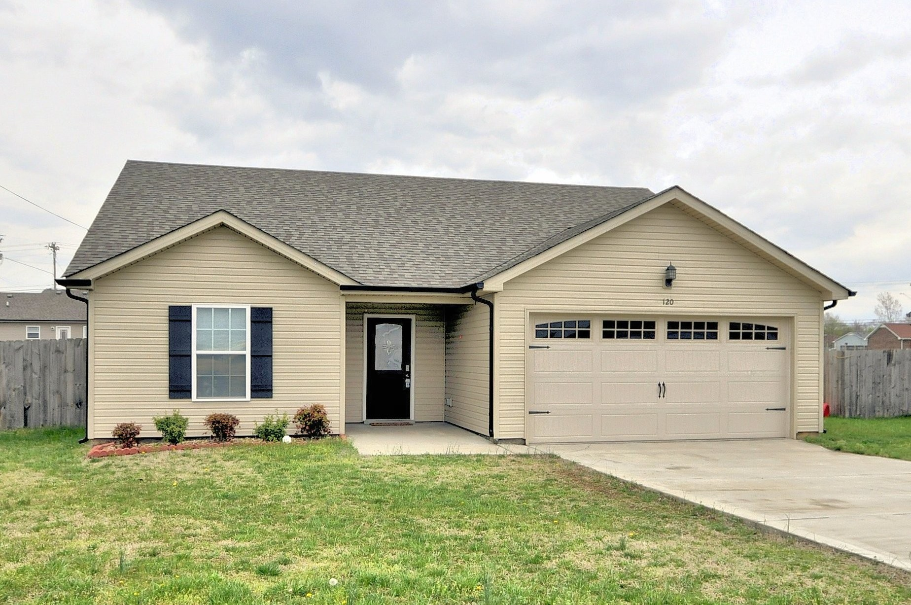 120 BOB WHITE TRL Property Photo - Oak Grove, KY real estate listing