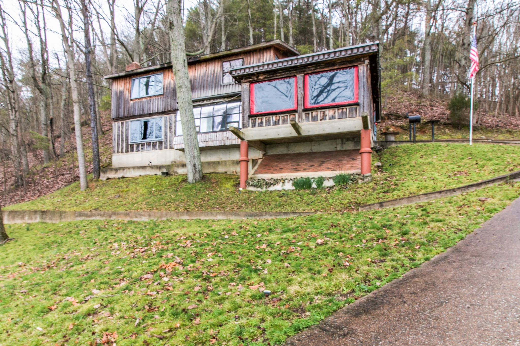 476 Lakefront Dr Property Photo - Waverly, TN real estate listing