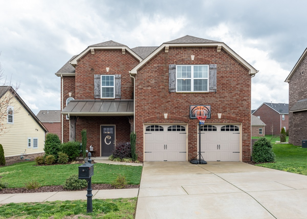 2175 Chaucer Park Ln, Thompsons Station, TN 37179 - Thompsons Station, TN real estate listing